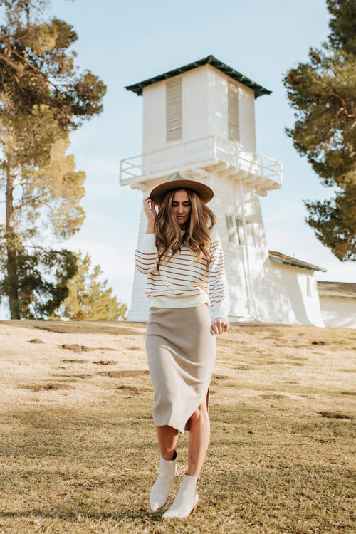 THE DENVER RIBBED FITTED SKIRT IN OATMEAL