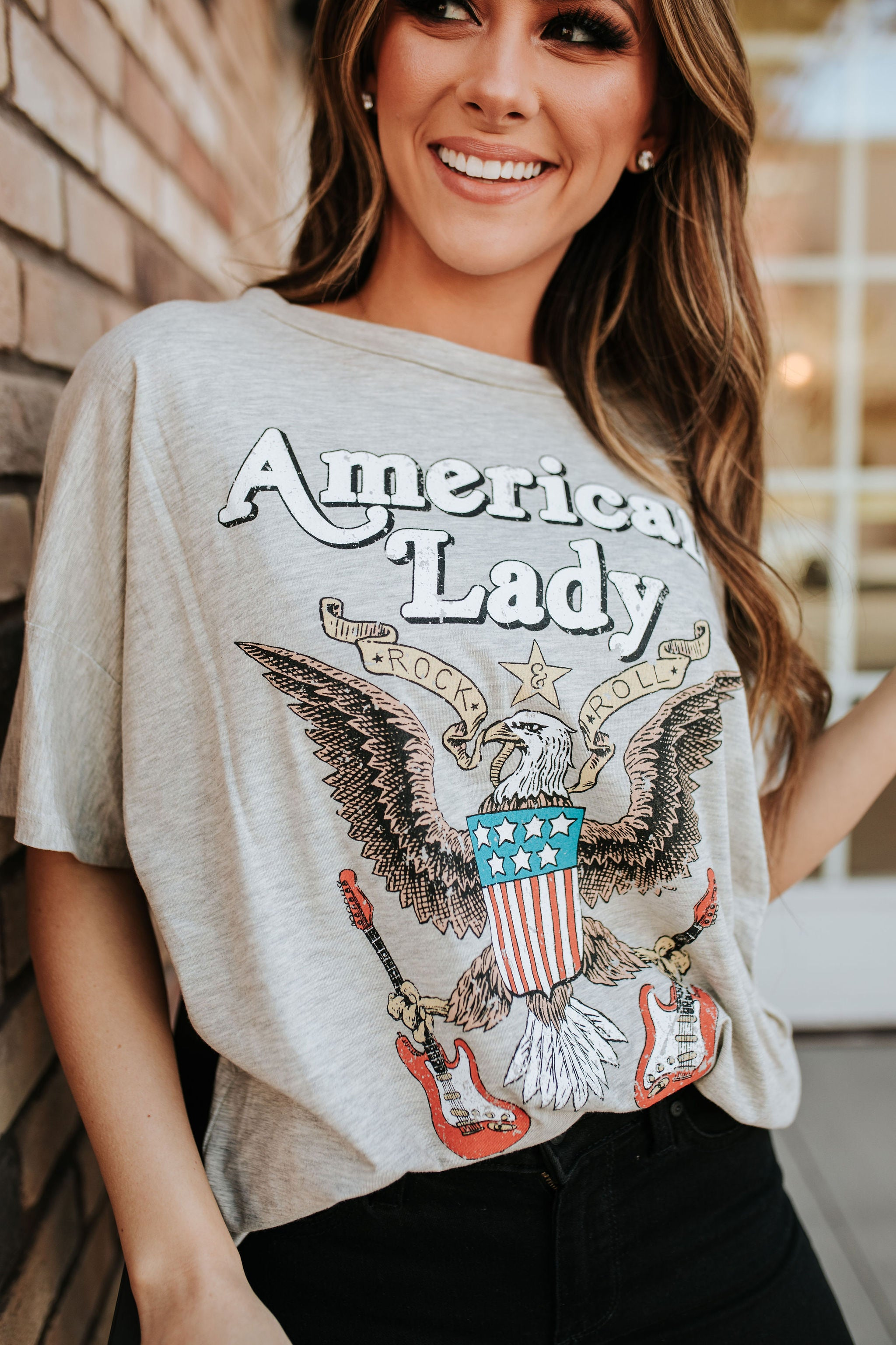 THE AMERICAN LADY VINTAGE GRAPHIC TEE IN HEATHER GREY
