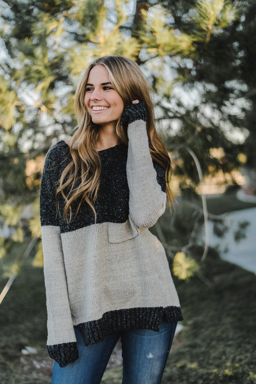 THE ALPINE COLOR BLOCK SWEATER IN CHARCOAL