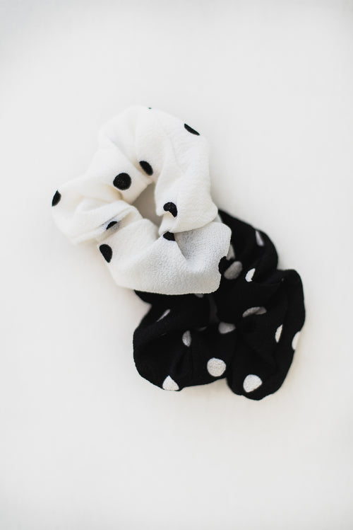 THE POLKADOT SCRUNCHIE SET