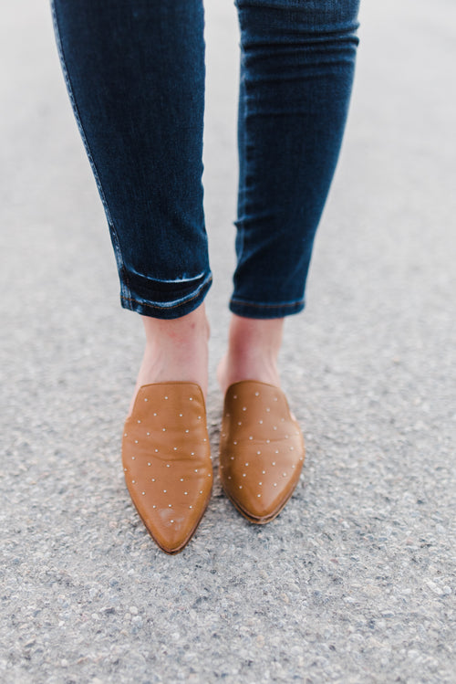 THE GAZE STUDDED LOAFER IN CAMEL
