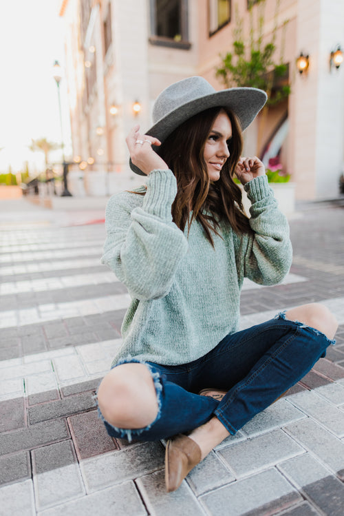 THE REESE CHENILLE OVERSIZED SWEATER IN MINT