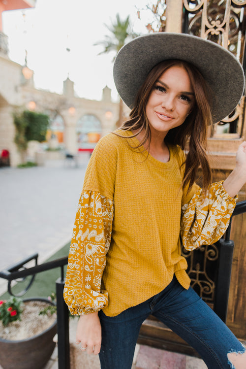 THE PAISLEY SLEEVE WAFFLE KNIT TOP IN MUSTARD