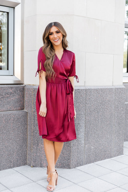THE PINK DESERT HOLIDAY DRESS IN WINTER CRANBERRY