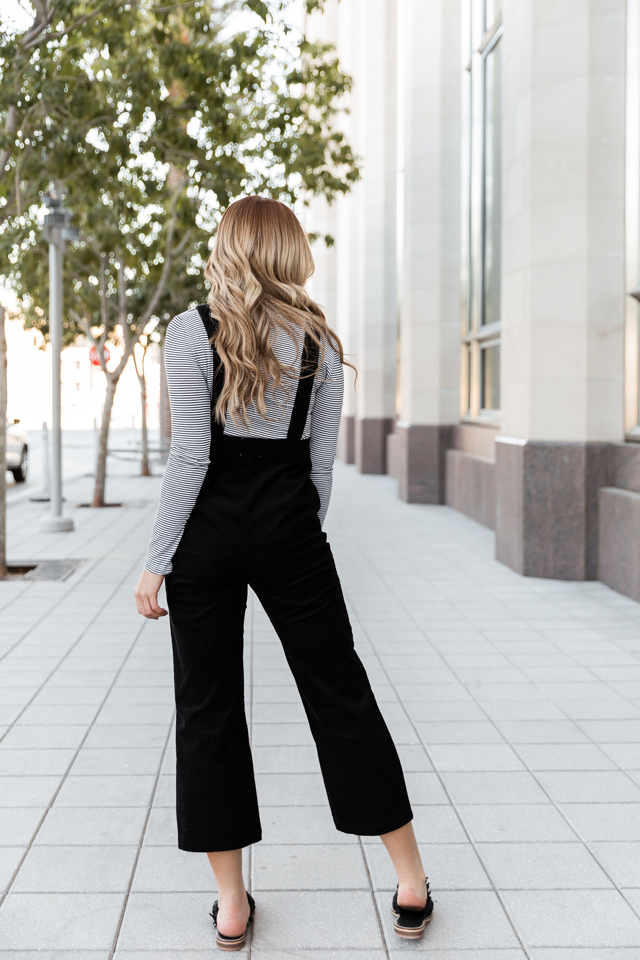 THE COLTON CORDUROY OVERALL PANTS IN BLACK