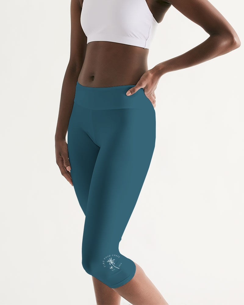 Women's Active Comfort Pacific Supply Solid Teal Mid-Rise Capri Leggings
