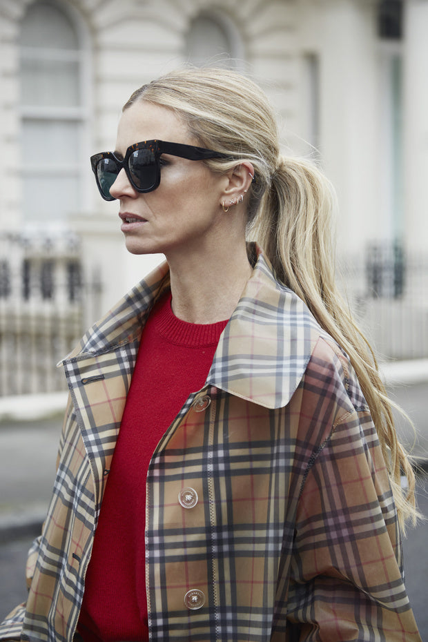 Laura Bailey in GILOT sunglasses