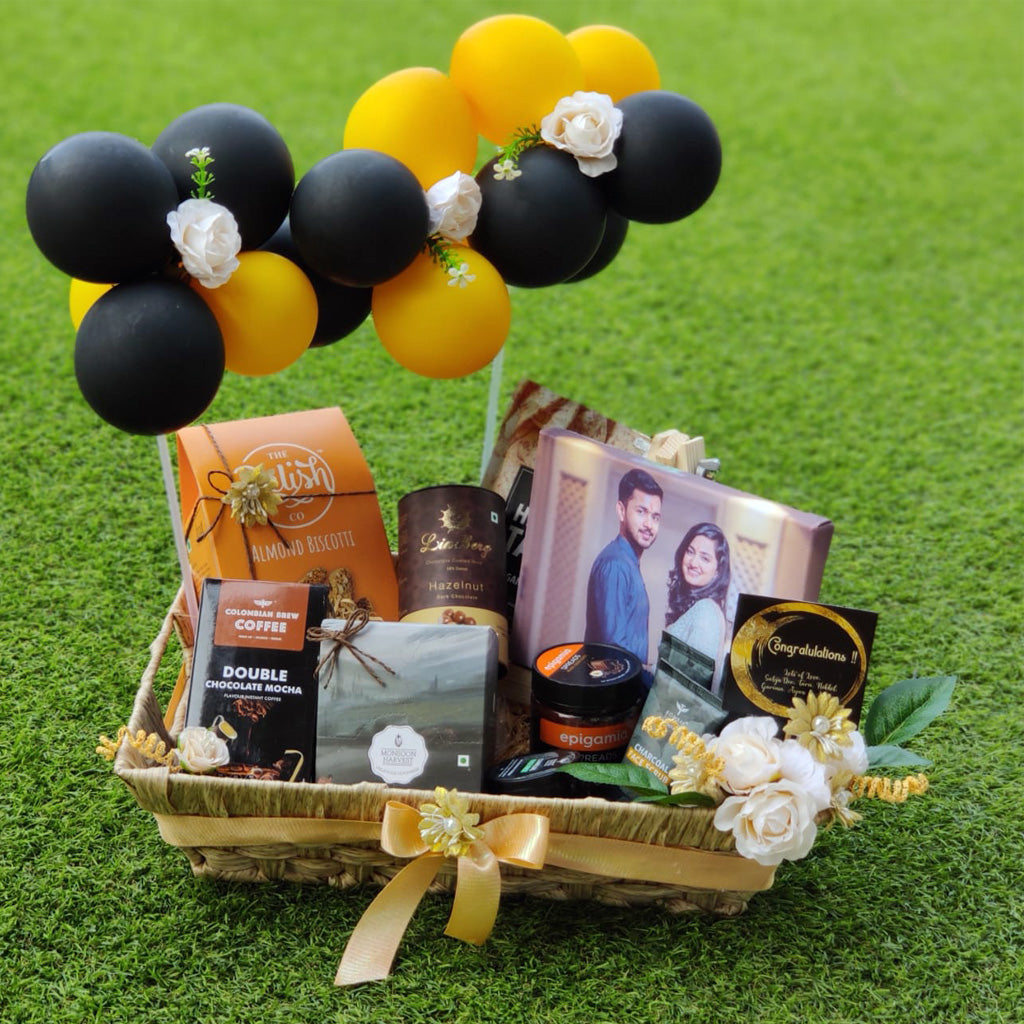 engagement gift hamper ideas for couples