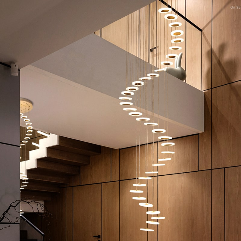 Lustre Suspendu Escalier <br> Scale