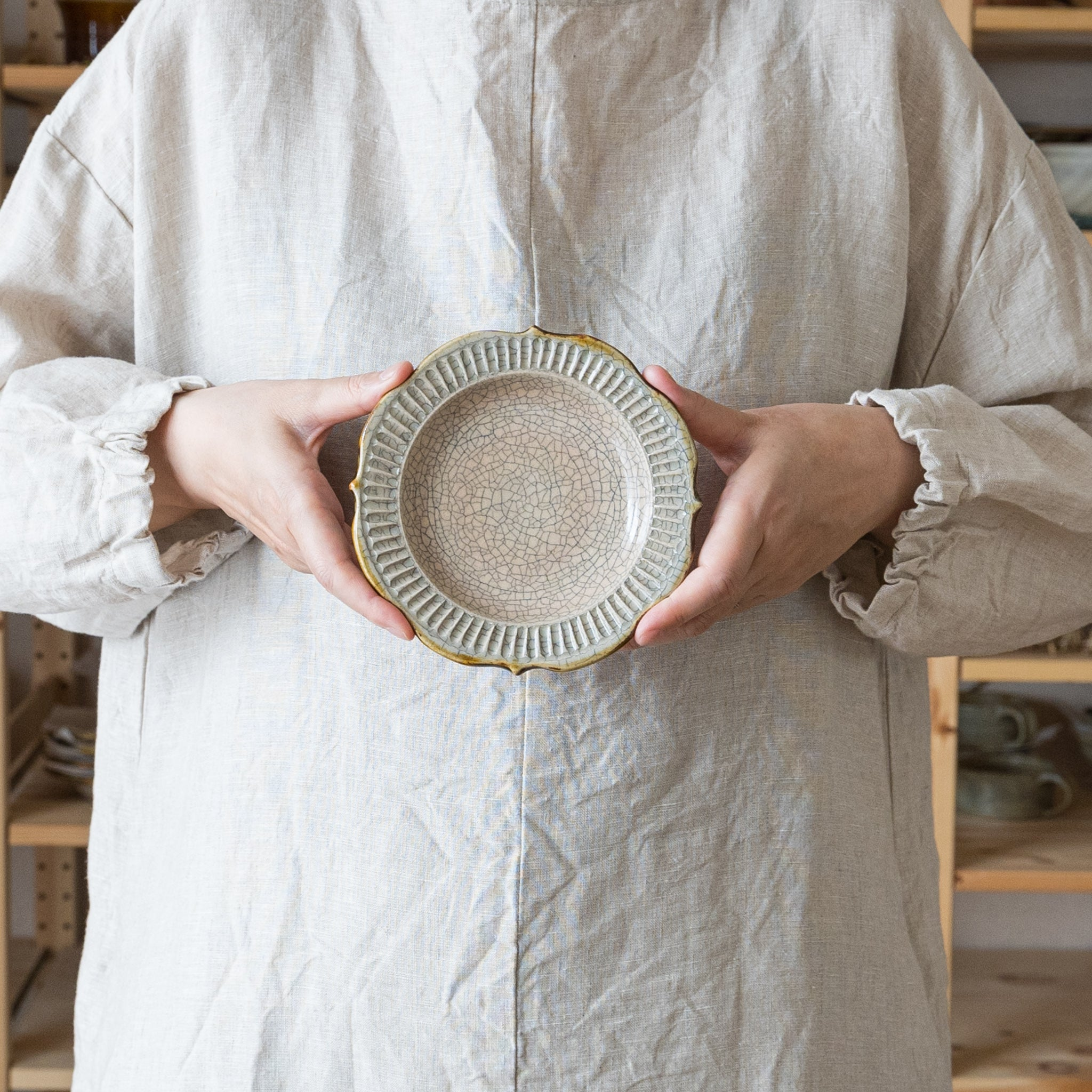 It is a craft's kraft's inking penetration ring flower tray that delivers a dining table