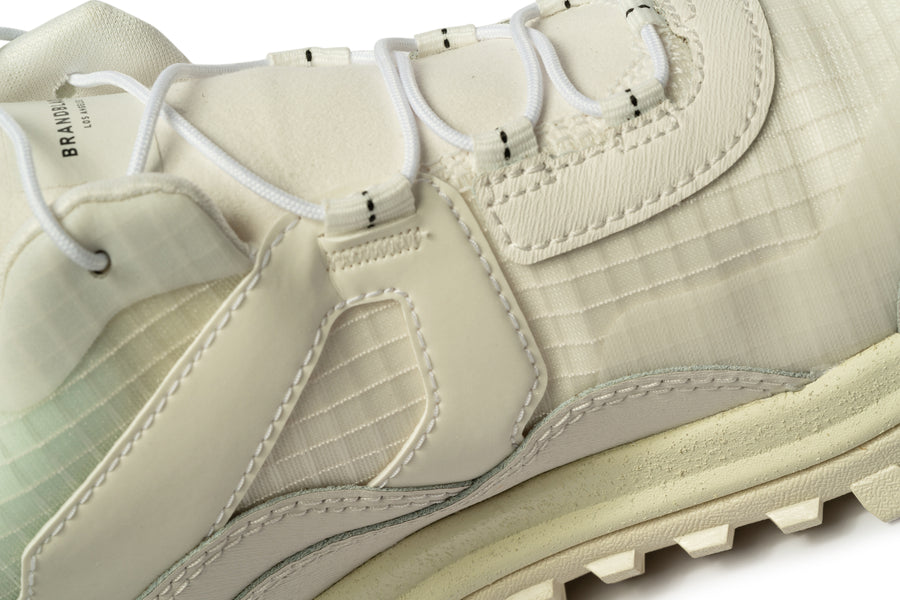 Women's Sierra White