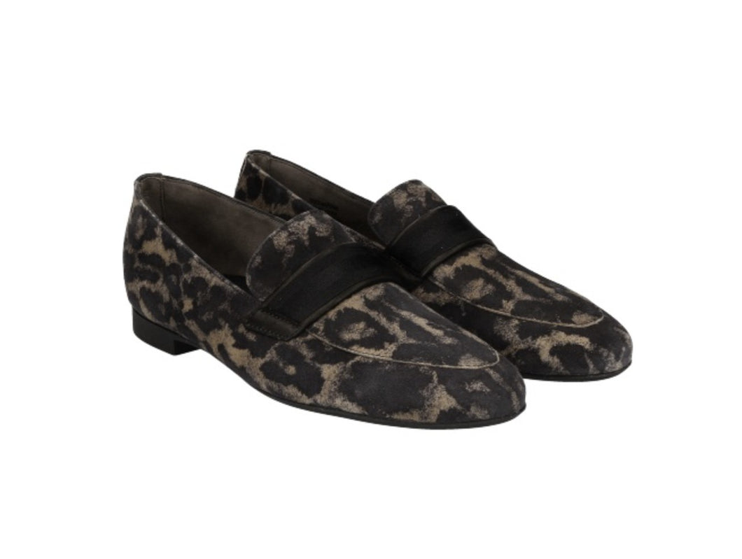 Paul Green leopard print loafers