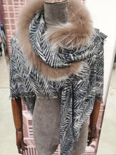 Load image into Gallery viewer, Mala Alisha Glitch scarf with Saga Fur (Raccoon)