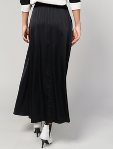 Long skirt in stain look