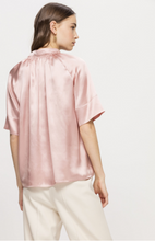 Load image into Gallery viewer, Silk-satin half sleeved blouse
