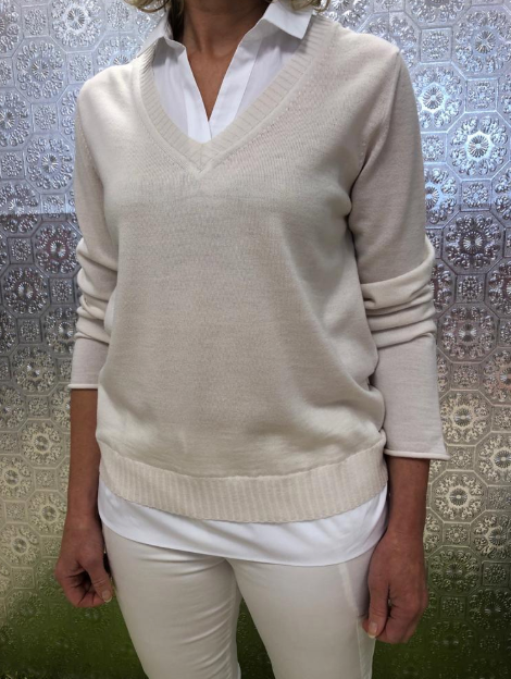 Jumper with connecting shirt