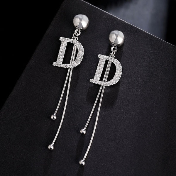 Fringed mid-length simple fashion earrings wild personality Korean earrings 2020 trendy temperament female Letter D ear nail