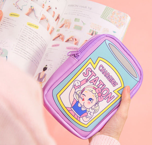 CHARGING BETTY POUCH