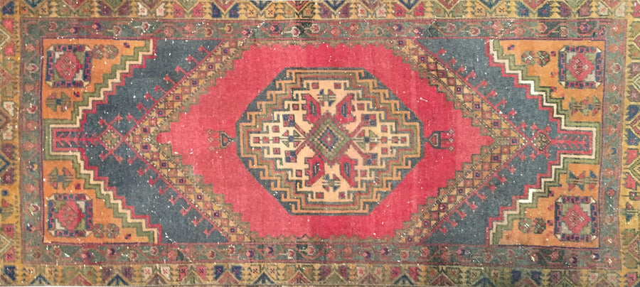 Vintage Turkish Rug 2.5 X 5'