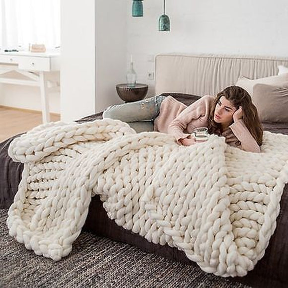 Pătura croșetată; imitator lâna - fabricat din poliester. Modern. Fashion Knitted Blanket Thick Yarn Wool-like Polyester Bulky Knitted Blankets Winter Soft Warm Throw