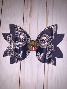 Brewers bow