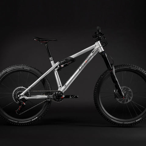 301 Mk15 Factory Machine - 160mm Enduro - S - SRAM Eagle X01 Build kit - Bikecomponents.ca