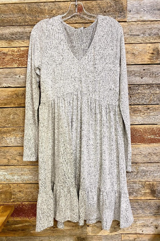L/S V Neck Tiered Hacci Dress