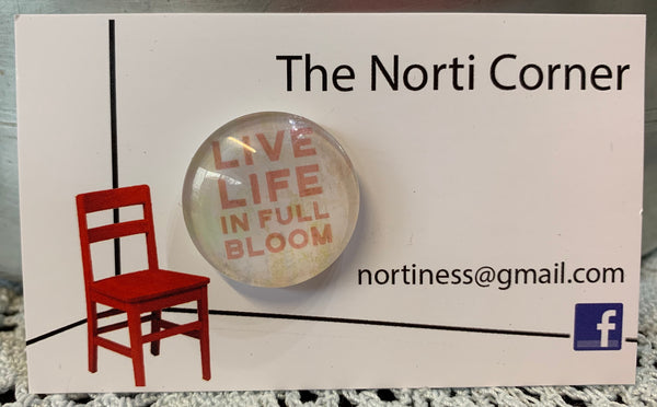 Live Life In Full Bloom Needle Minder