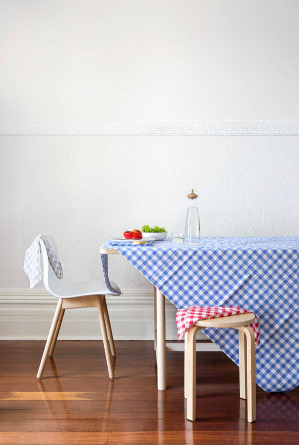 Country Checks Tablecloth - Blue & White 150 x 200