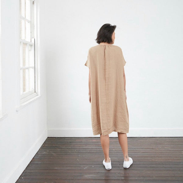 Gathered short sleeve loose fitting linen dress - Natural