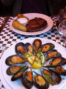 Moules_and_Steak