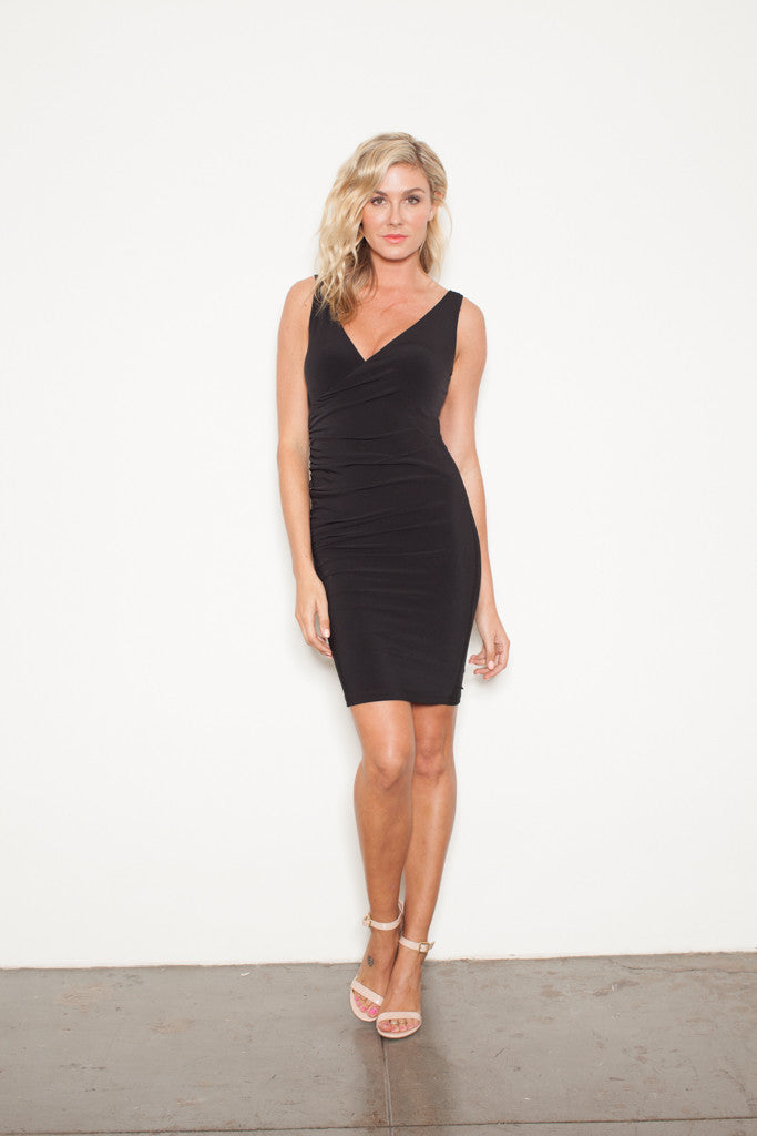 THE SLEEVELESS WRAP BLACK