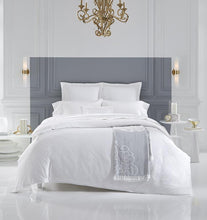 Load image into Gallery viewer, King Duvet Cover 106X92 - Sf Giza 45 Quatrefoil Collection - By Sferra