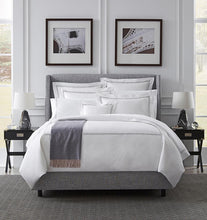 Load image into Gallery viewer, Full/Queen Duvet Cover 88X92 - Grande Hotel Collection - By Sferra