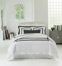 Load image into Gallery viewer, Full/Queen Duvet Cover 88X92 - Orlo Collection - By Sferra