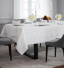 Load image into Gallery viewer, Oblong Tablecloth 66X86 - Reece Collection - By Sferra