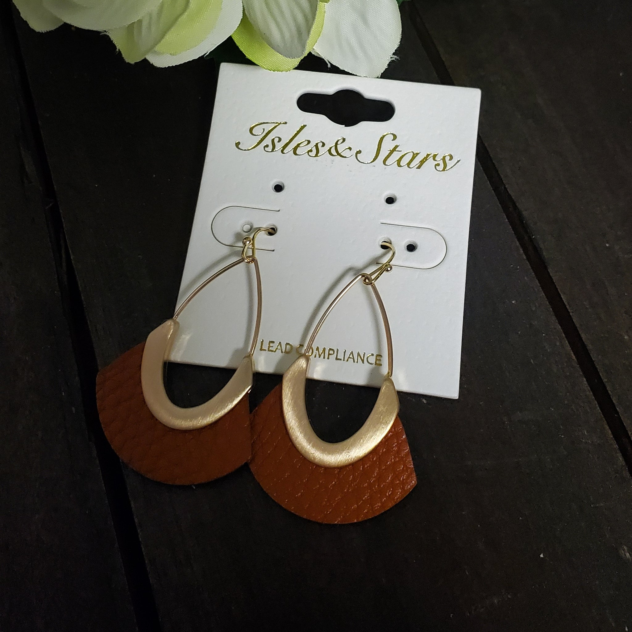 Teardrop Wire Earring with Leather