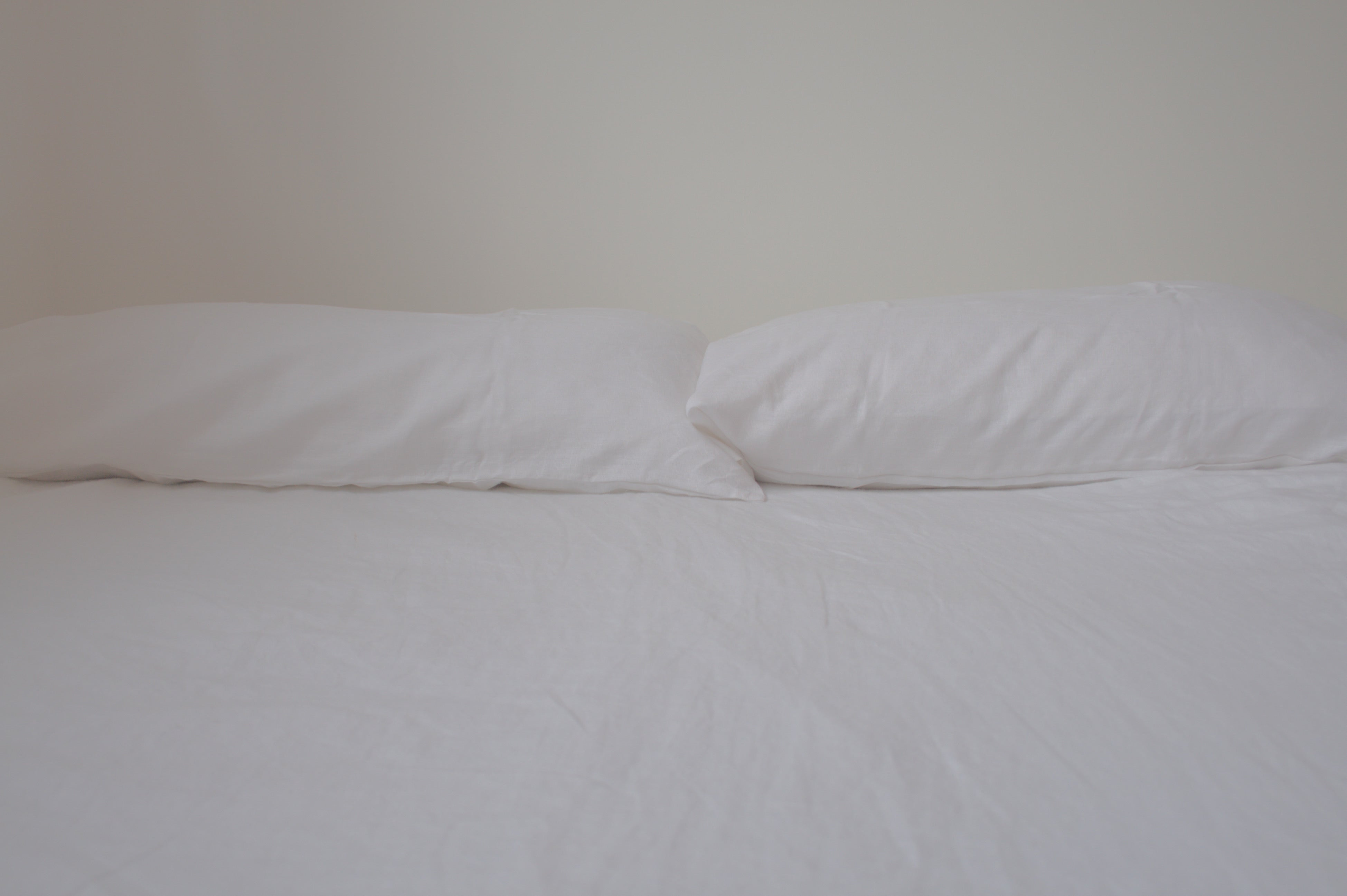 Organic hemp bedset in white. White hemp bed sheets. Organic. Natural. Sustainable.