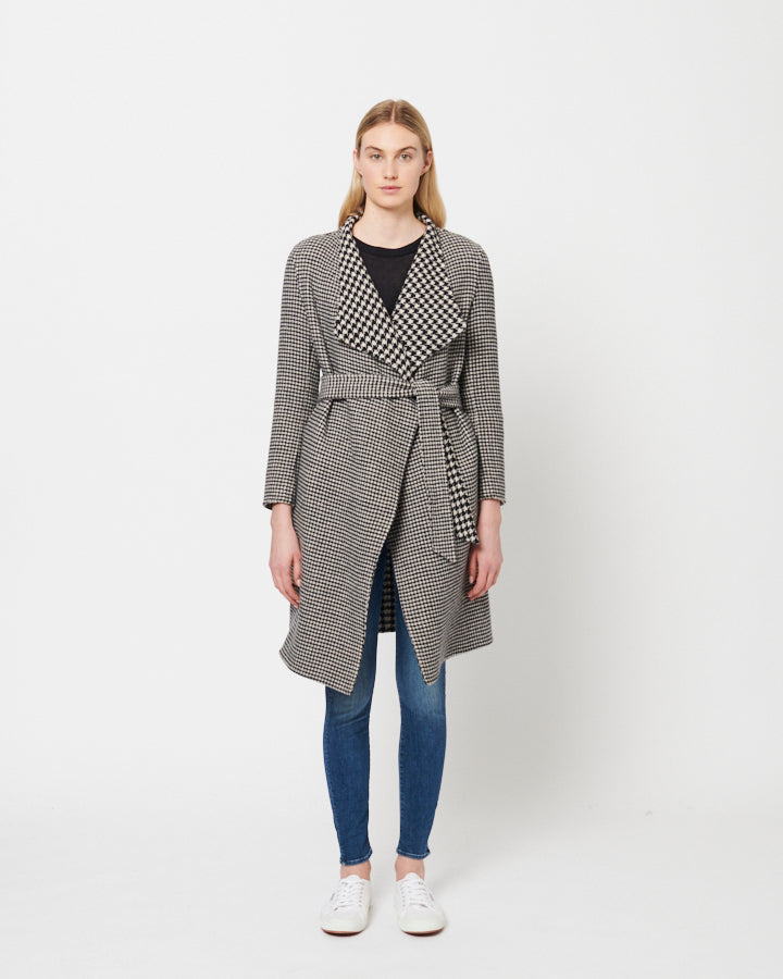 Adelaide Coat in Houndstooth