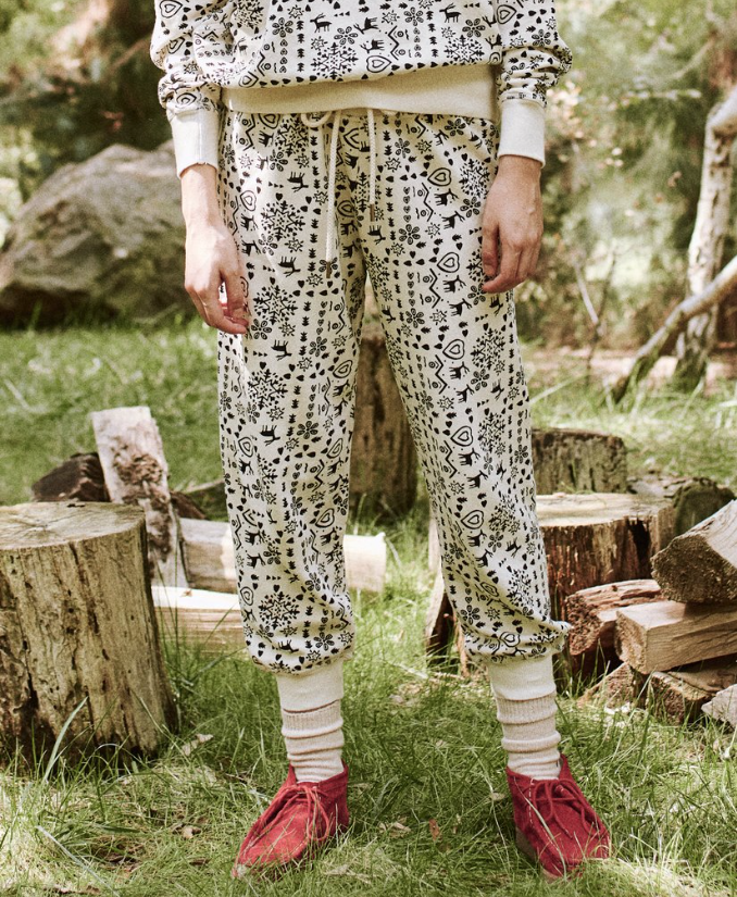 The Cropped Sweatpant. Washed White Folk Print