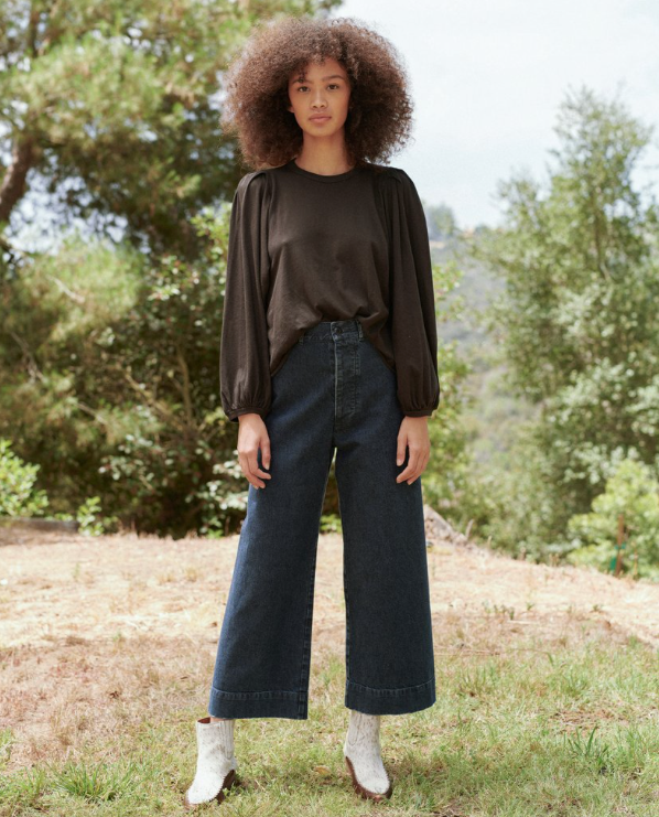 The Cropped Pleat Sleeve Tee. Almost Black