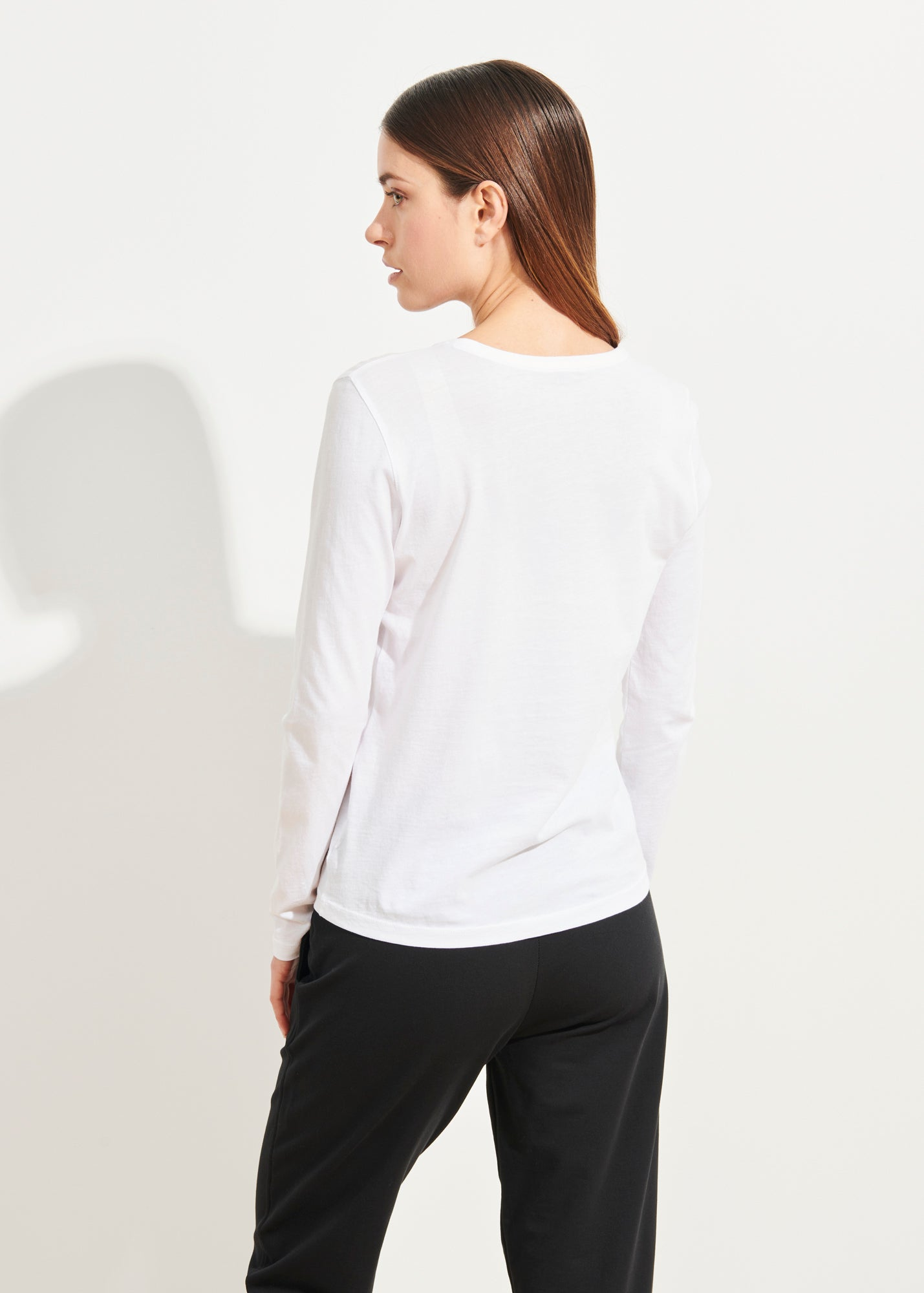 Lightweight Pima Cotton Classic Longsleeve T-Shirt in White