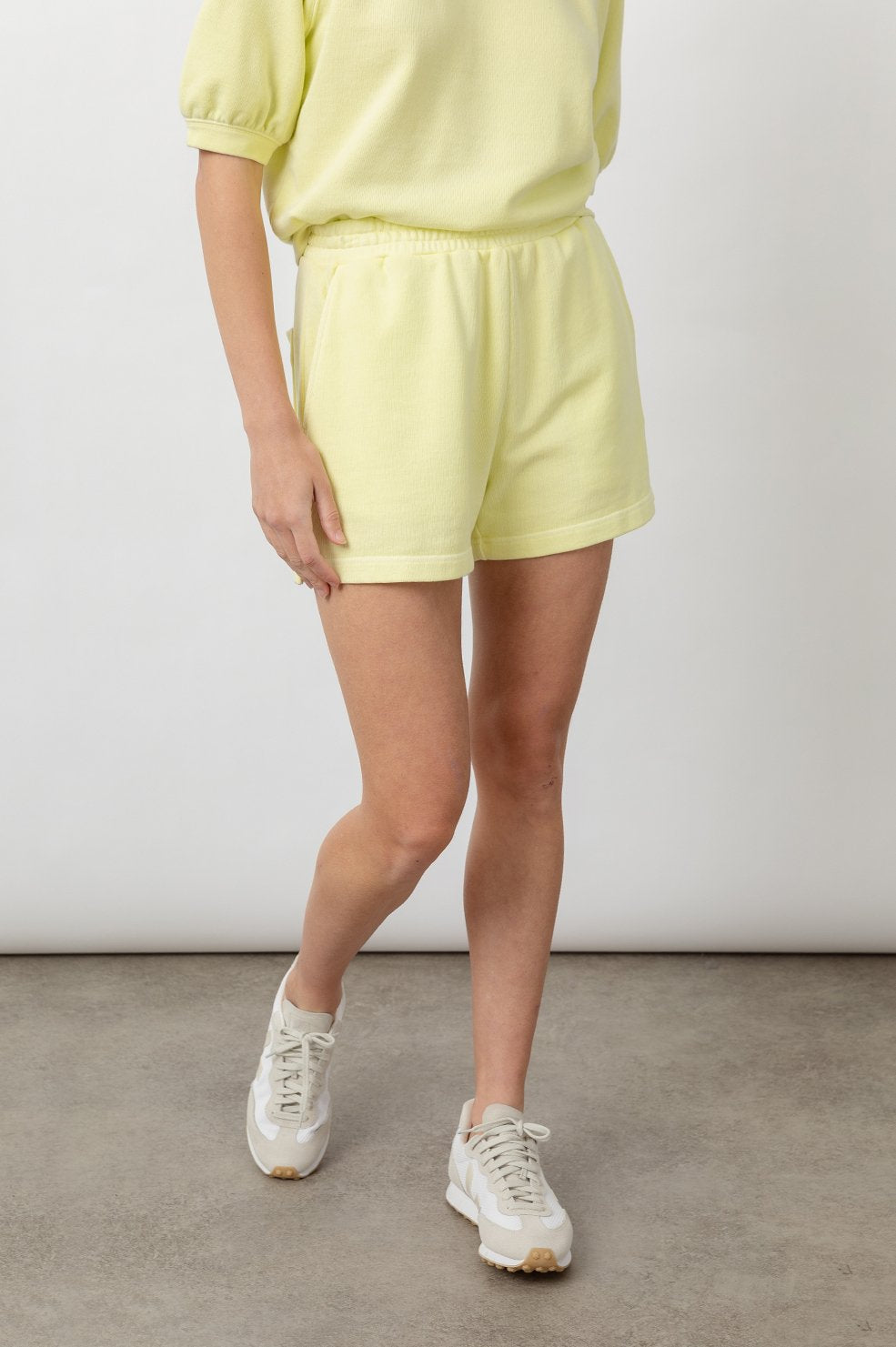 Jane Shorts in Limon