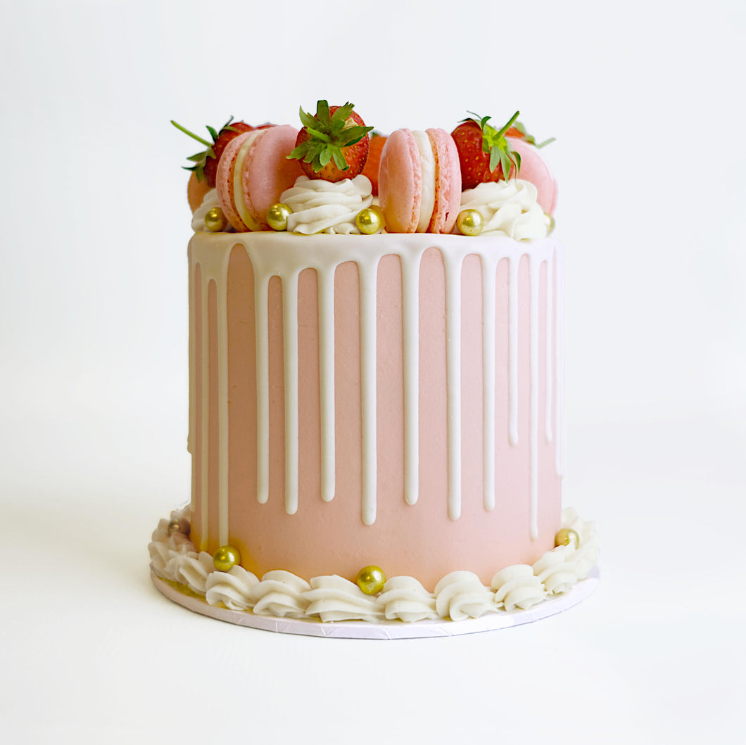 Strawberry Macaroon Cake