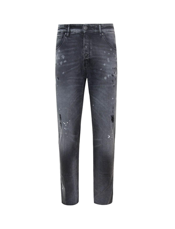 Reggae Fit Stained Denim Jeans in Black