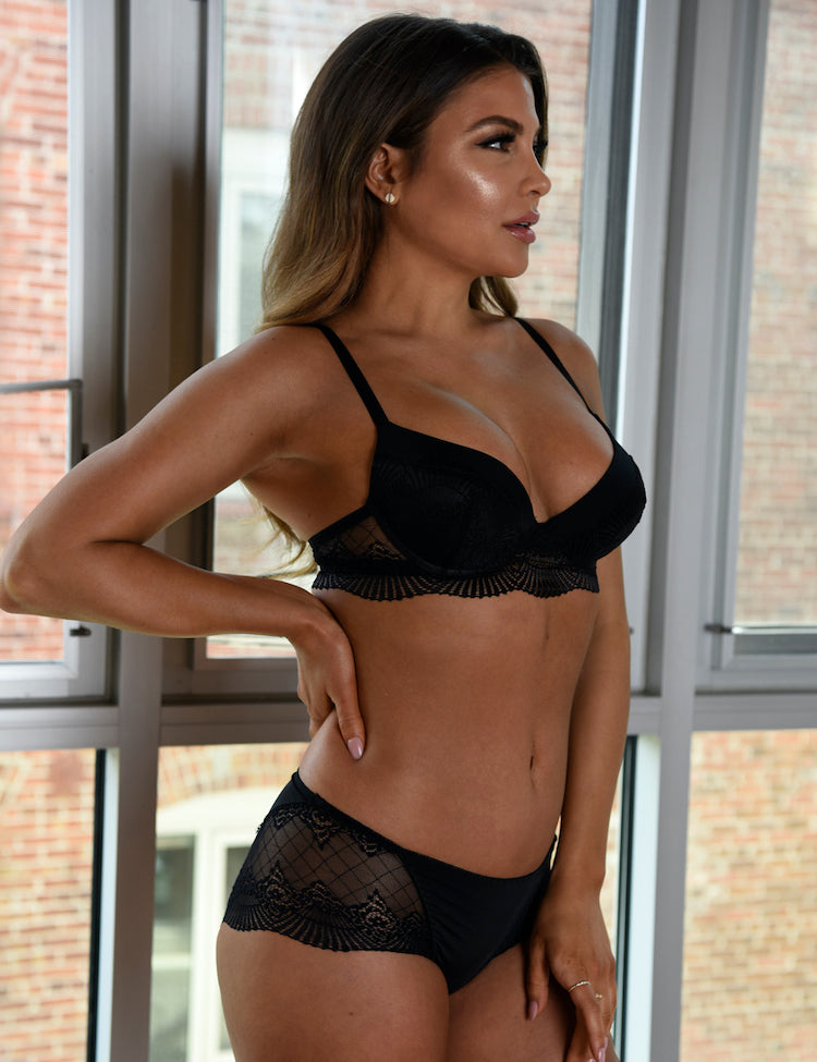 bailey- beautiful demi-cup bra, featuring scalloped lace on cups and band