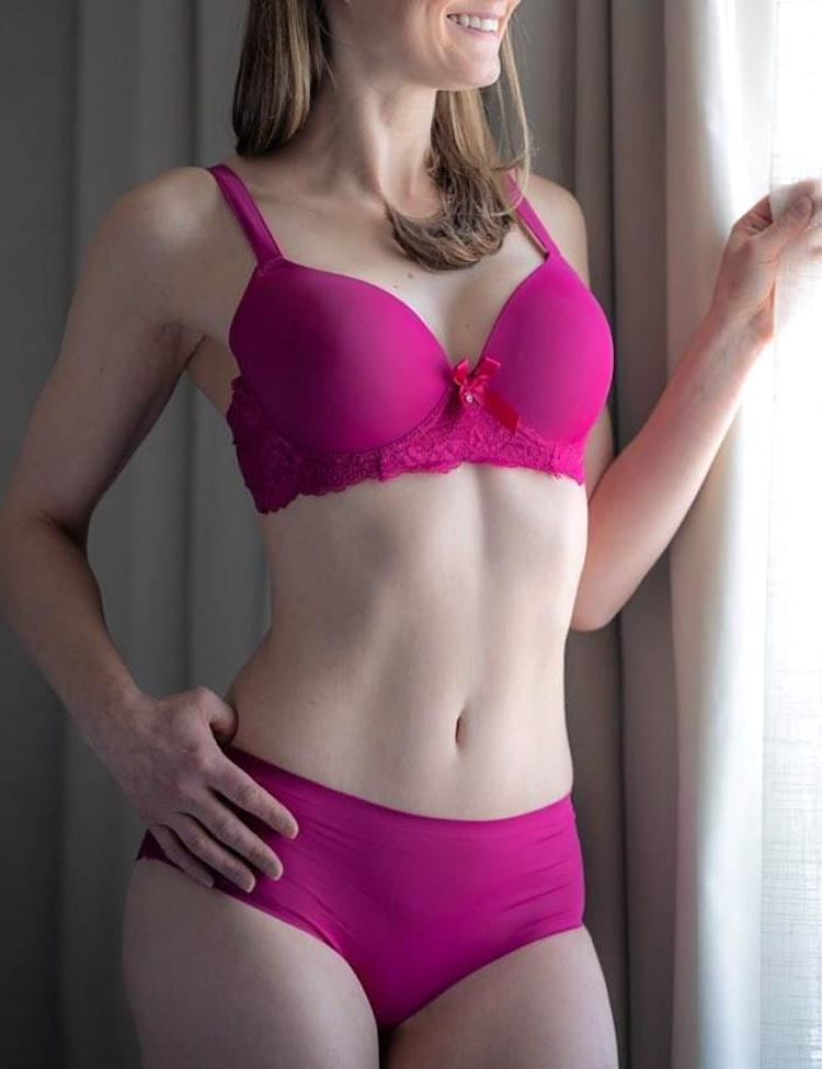 cynthia- full-coverage bra featuring lace band with a dainty bow in the center, perfect for daily wear