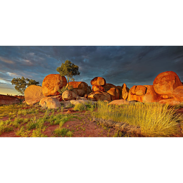 Sunset reflecting on the Devils Marbles.