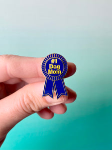 #1 Dog Mom Enamel Pin