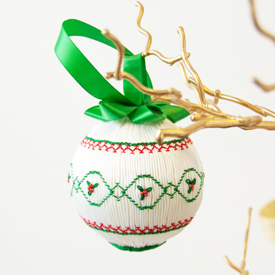 Pat's Pick Kit - Smocked Christmas Ornament